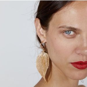 Zara | gold leaf earrings